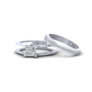 Solitaire Princess Diamond Engagement Ring Set